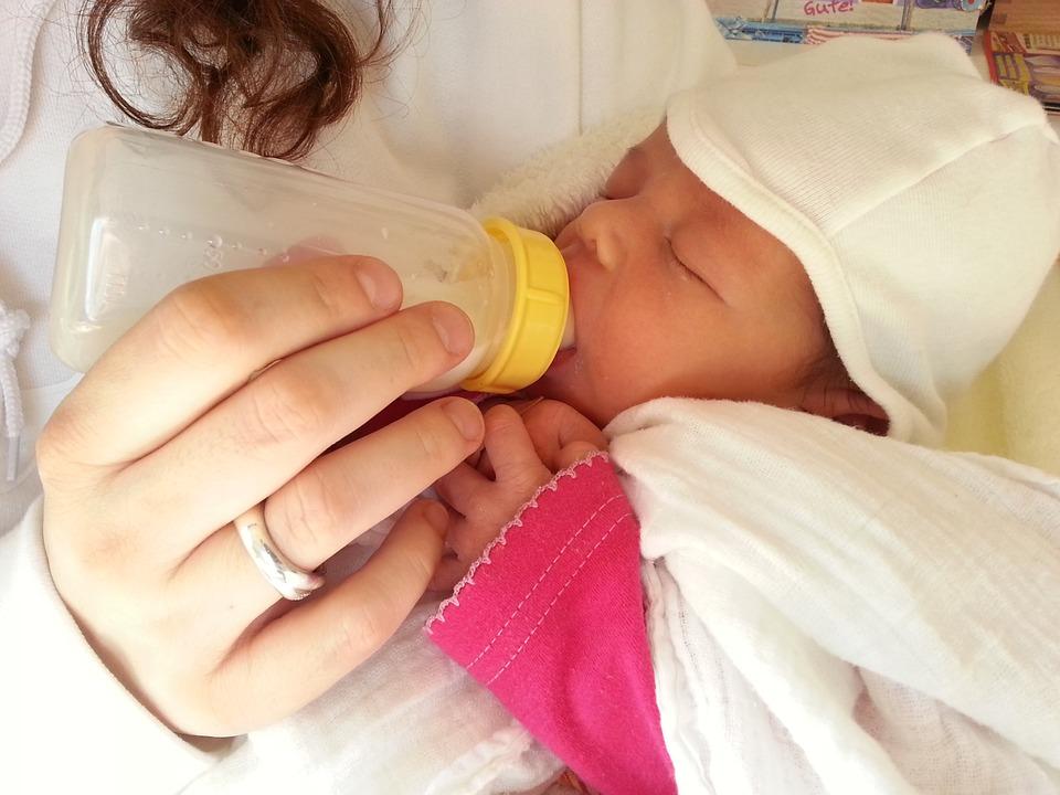 Bottlefeeding your baby